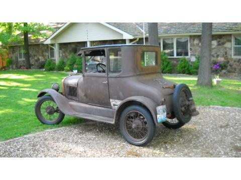 1927 Ford Model T Coupe in Krylon Rust