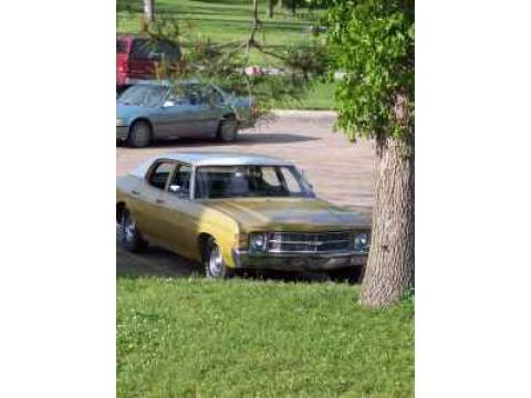 1971 Chevrolet Chevelle Sedan in Yellow