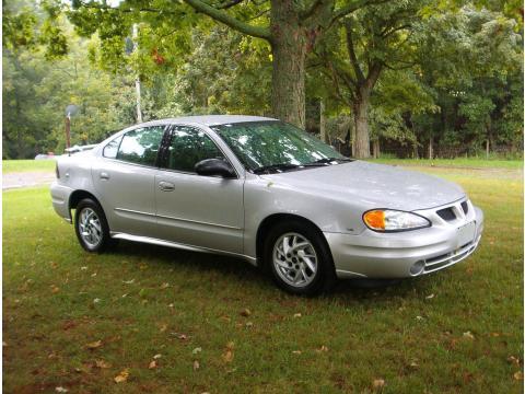 2004 Pontiac Grand Am SE Sedan in Galaxy Silver Metallic