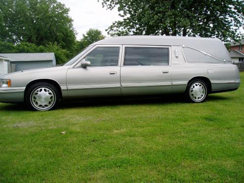 1998 Cadillac DeVille Hearse in Silver Metallic