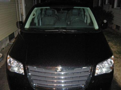 2008 Chrysler Town & Country Touring Signature Series in Brilliant Black Crystal Pearlcoat