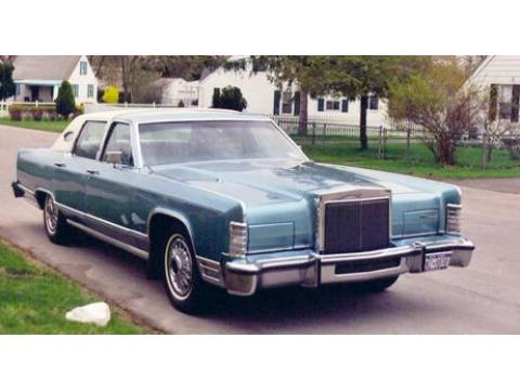1979 Lincoln Continental Town Car Sedan in Dark Blue
