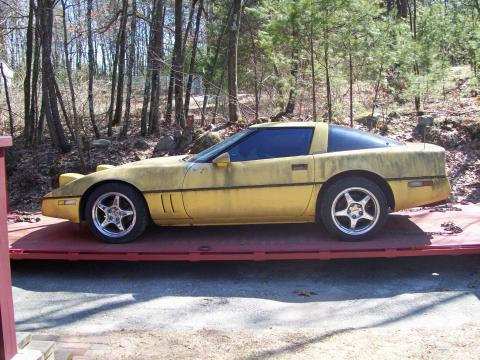 1985 Chevrolet Corvette Coupe in Yellow