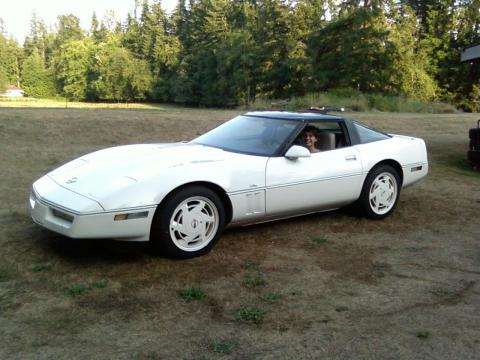 White 1988 Chevrolet Corvette 35th Anniversary Coupe with White interior