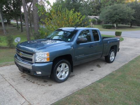 2007 Chevrolet Silverado 1500 LT Extended Cab in Blue Granite Metallic