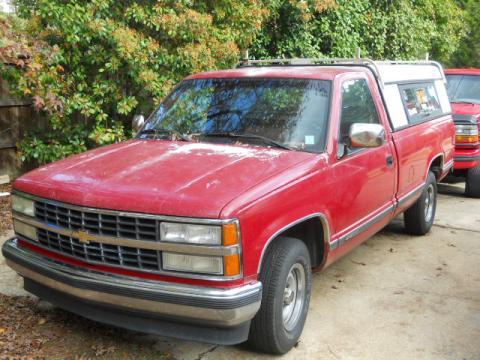 1990 Chevrolet C/K C1500 Silverado Regular Cab in Flame Red