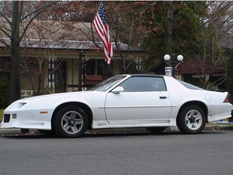 1991 Chevrolet Camaro RS in Bright White