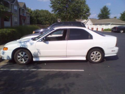 1994 Honda Accord LX Sedan in Frost White
