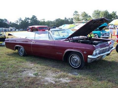 1965 Chevrolet Impala SS in Burgundy