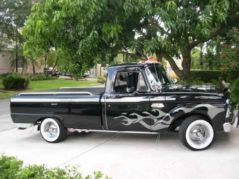 1965 Ford F100 Pickup in Black