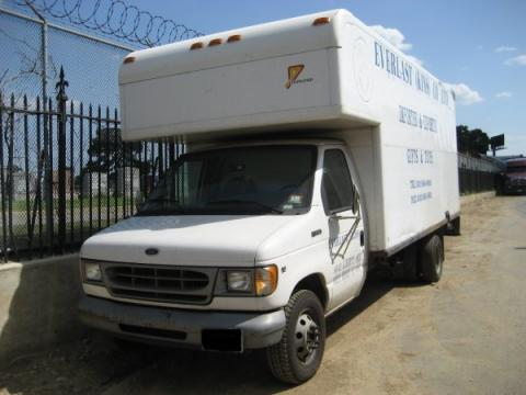 1998 Ford E Series Van E350 Cargo Truck in Oxford White
