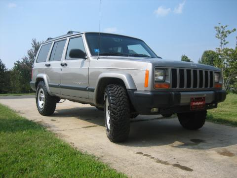 2001 Jeep Cherokee Sport in Silverstone Metallic