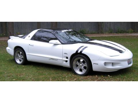 1999 Pontiac Firebird Coupe in Arctic White