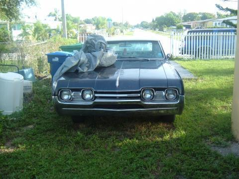 1967 Oldsmobile Cutlass 2 Door Hardtop in Dark Blue