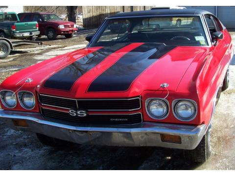 1970 Chevrolet Chevelle Sports Coupe in Red