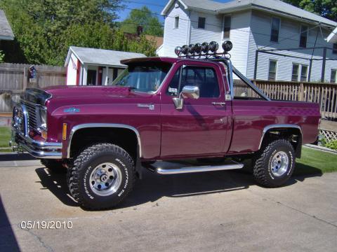 1978 Chevrolet C/K Truck K10 Silverado 4x4 in Deep Iris/Raspberry