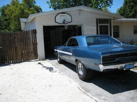 1970 Plymouth GTX 440 6 Barrel in B7 Blue