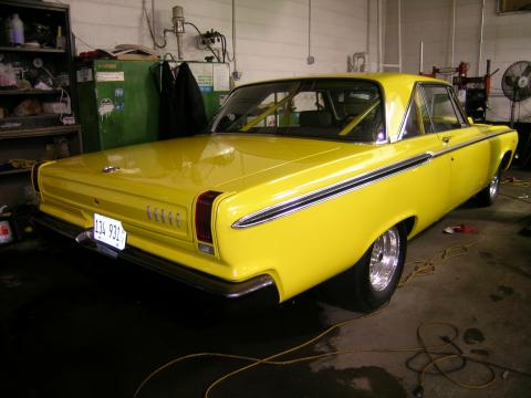 1965 Dodge Coronet 2 Door Hardtop in Yellow
