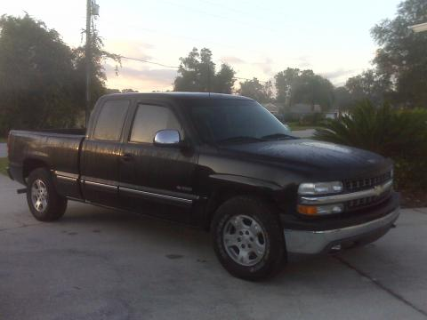 2001 Chevrolet Silverado 1500 Extended Cab in Onyx Black
