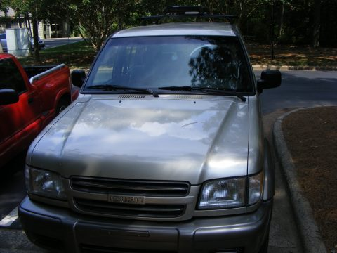 2000 Isuzu Trooper S 4x4 in Light Silver Metallic
