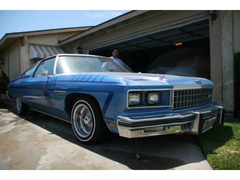 1976 Chevrolet Caprice Classic 2 Door Glasshouse in Different Blues