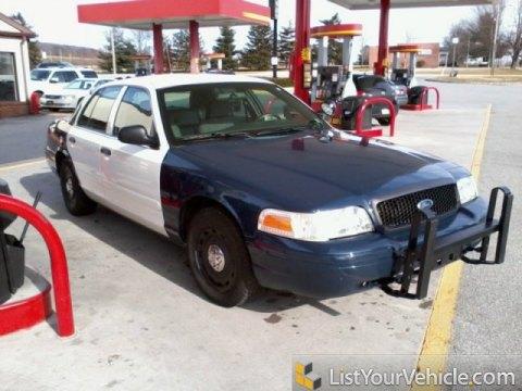 2005 Ford Crown Victoria Police Interceptor in Vibrant White