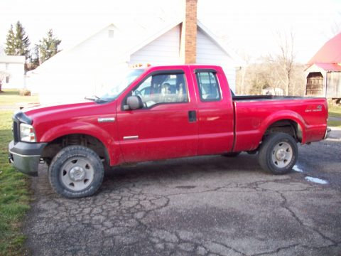 2007 Ford F250 Super Duty XL SuperCab 4x4 Utility in Red Clearcoat