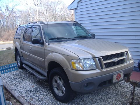 2001 Ford Explorer Sport Trac 4x4 in Harvest Gold Metallic