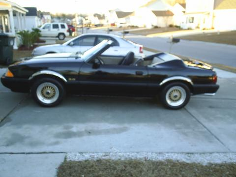 1988 Ford Mustang LX 5.0 Convertible in Black