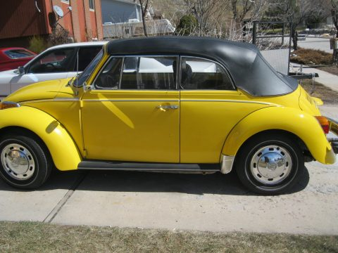 1976 Volkswagen Beetle Convertible in Yellow