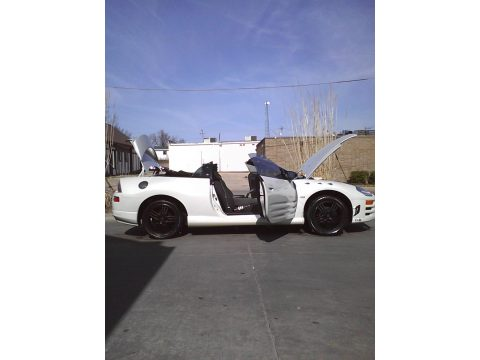 2004 Mitsubishi Eclipse Spyder GT in Dover White Pearl