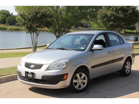 2006 Kia Rio Sedan in Silver