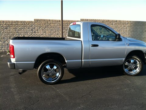 2004 Dodge Ram 1500 ST Regular Cab in Bright Silver Metallic