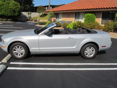 2007 Ford Mustang V6 Deluxe Convertible in Satin Silver Metallic