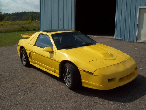 1986 Pontiac Fiero Sport in Yellow