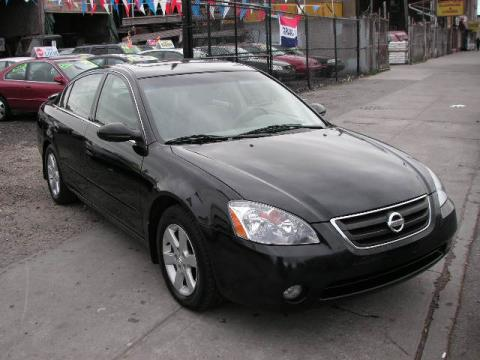 2003 Nissan Altima 2.5 S in Super Black