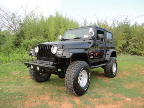1998 Jeep Wrangler SE 4x4 in Black