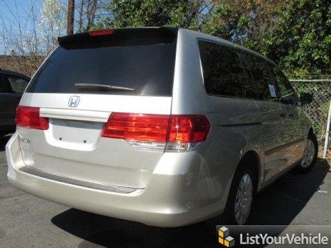 2008 Honda Odyssey LX in Silver Pearl Metallic