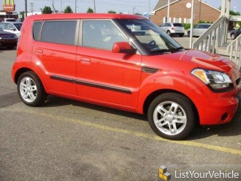 2010 Kia Soul + in Molten Red