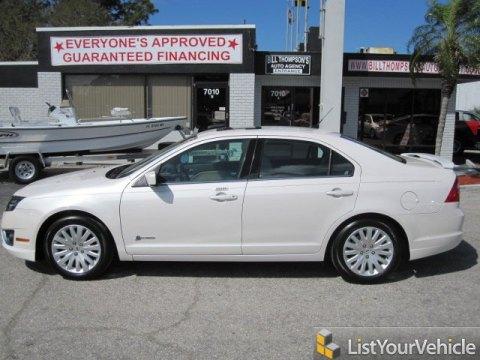 2010 Ford Fusion Hybrid in White Platinum Tri-coat Metallic