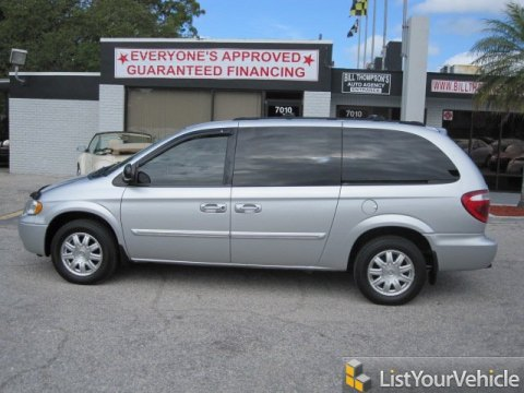 2005 Chrysler Town & Country Touring in Bright Silver Metallic