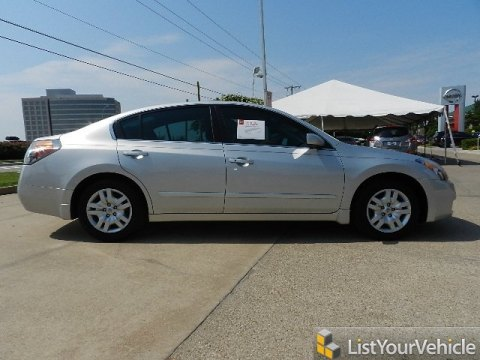 2009 Nissan Altima 2.5 S in Radiant Silver Metallic
