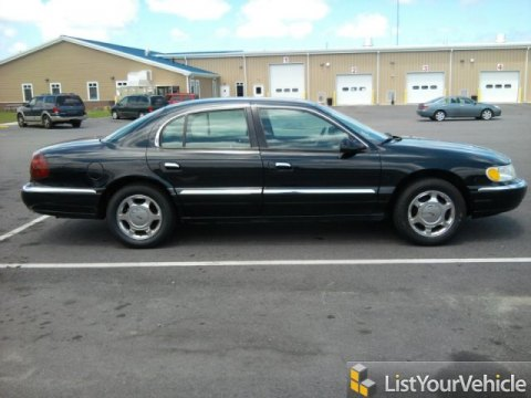 2002 Lincoln Continental  in Black