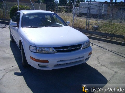 1997 Nissan Maxima GXE in Cloud White