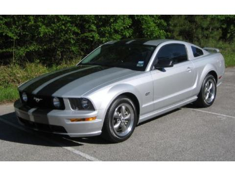 2005 Ford Mustang GT Premium Coupe in Satin Silver Metallic
