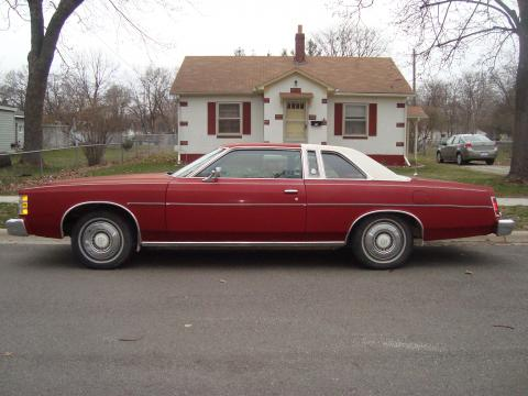 1976 Ford LTD Coupe in Red