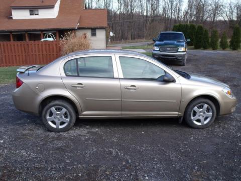 2006 Chevrolet Cobalt LS Sedan in Sandstone Metallic