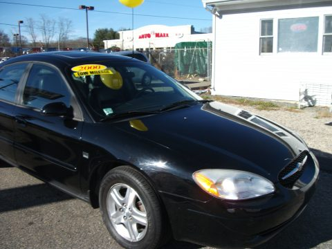 2000 Ford Taurus SEL in Black