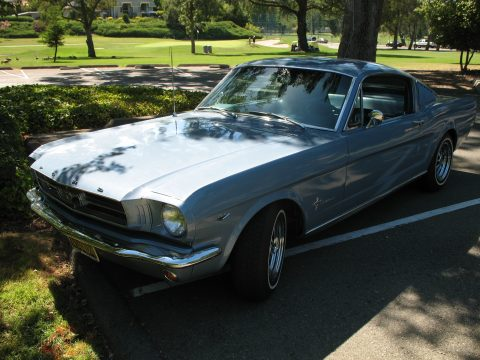 1965 Ford Mustang Fastback in Caspian Blue