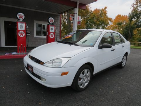 2001 Ford Focus ZTS Sedan in Cloud 9 White